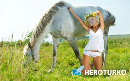 Женский шаблон - Очаровательная девушка с лошадью