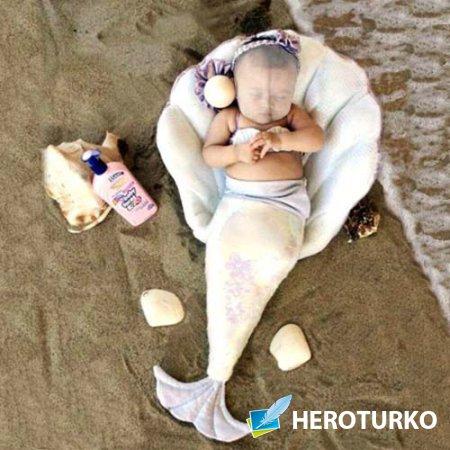 Шаблон psd - Русалочка отдыхает на пляже