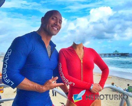 Шаблон psd женский - На пляже с Джонсоном скалой
